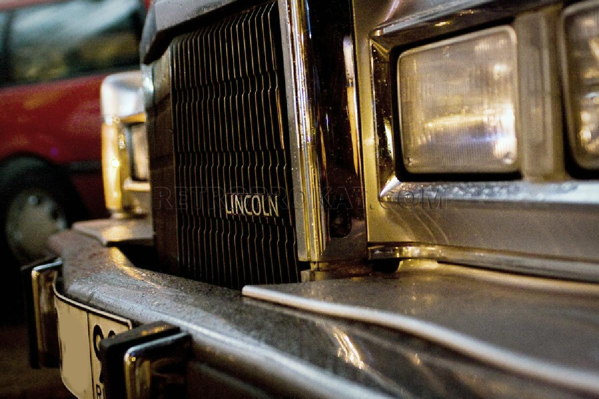 retroprokat.com-lincoln-towncar-03.jpg